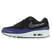 hot sale online 39970 a1e5a Air Max Light Essential. Nike. Air Max Light Essential