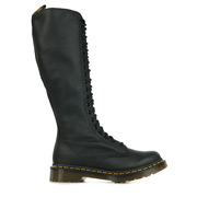 Dr. Martens 1B60 Black Virginia