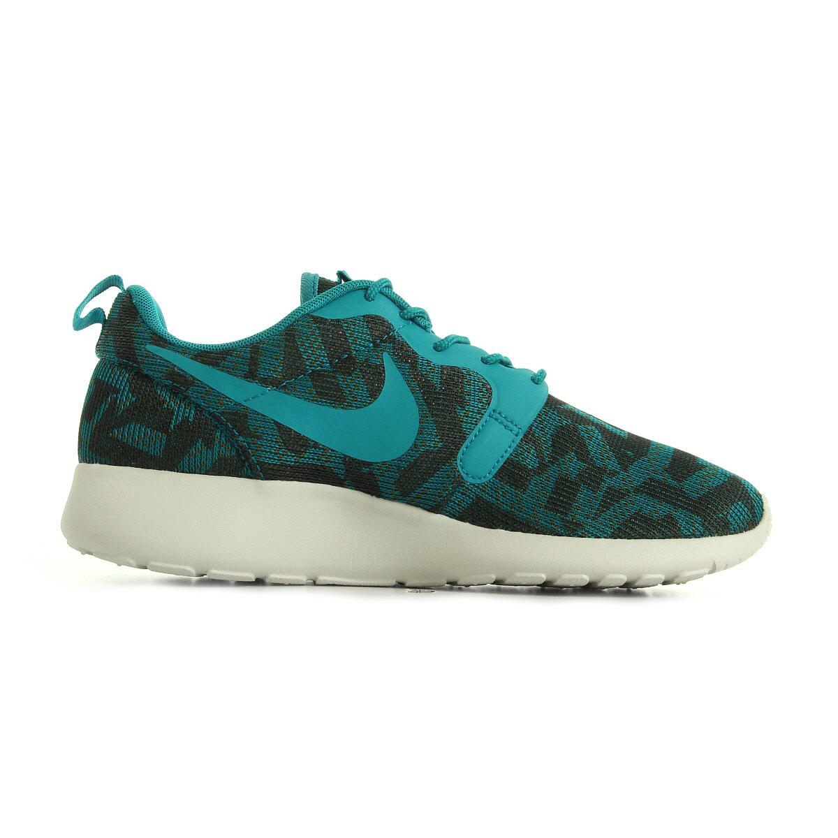 Chaussures Baskets Nike femme Wmns RosheOne Kjcrd taille Vert Verte Textile