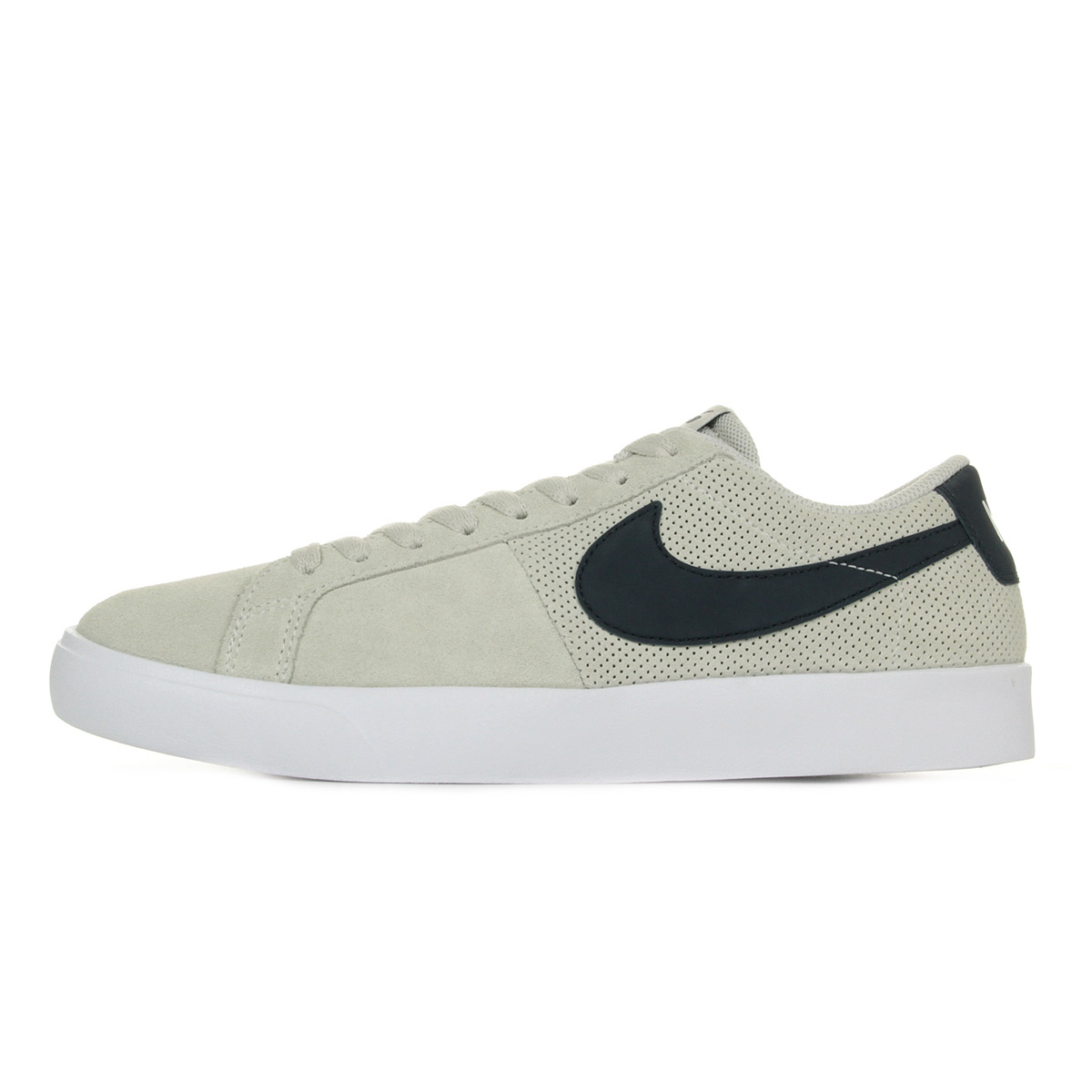 detailed look 68fc0 bb592 Chaussures Baskets Nike homme SB Blazer Vapor taille Beige Cuir ...