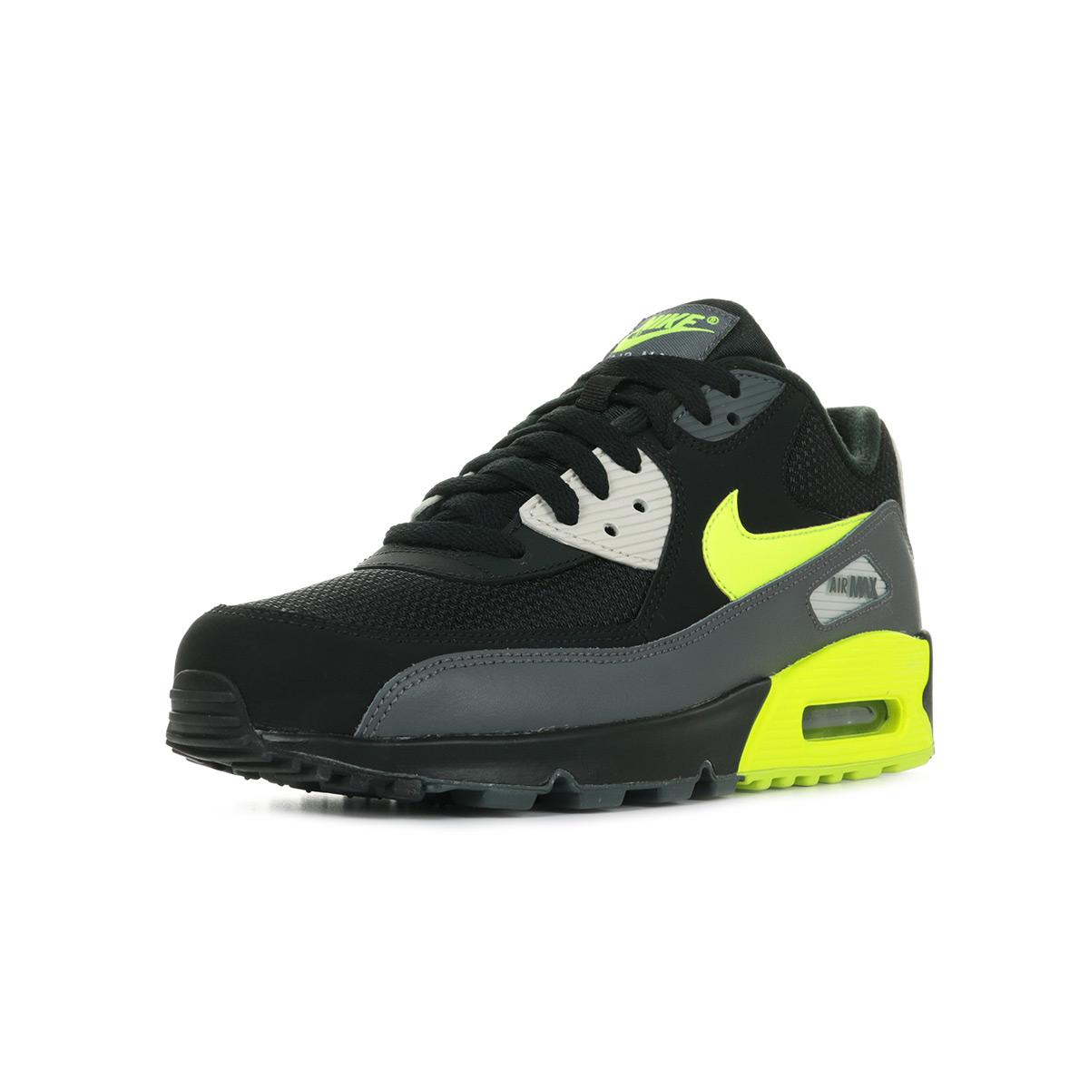 san francisco edbc4 2aa4a Nike Air Max 90 Essential ...