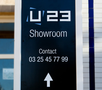 Enseigne du Showroom U23